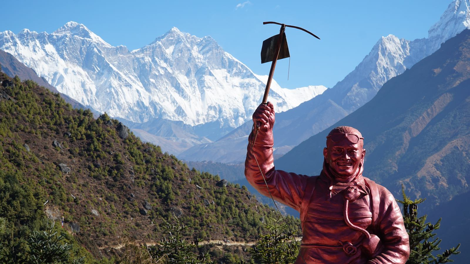 Did a quick hike in the morning to a viewpoint above Namche with a statue of Tenzing Norgay Sherpa, where I got my first good look at Everest (leftmost peak) and Lhotse (center left peak)